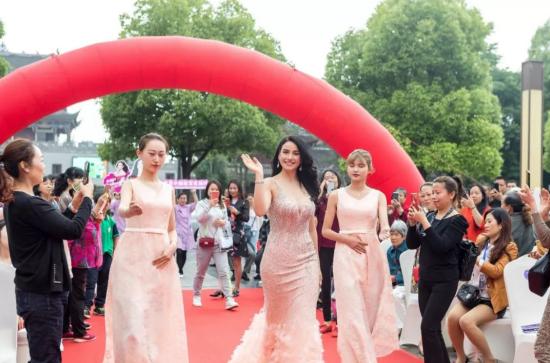 百莲凯科技美容娱乐营销开业盛典引爆重庆市场!