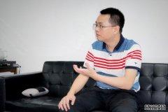 青豆网校创始人兼CEO吉登高接受记者采访
